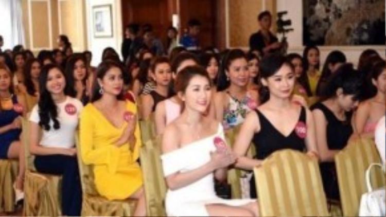 Các người đẹp góp mặt trong buổi công bố cuộc thi Hoa hậu hoàn vũ Việt Nam 2015 khu vực phía Nam.