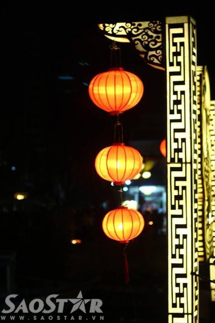 Phố cổ Hội An lung linh đêm hoa đăng mừng lễ Vu Lan