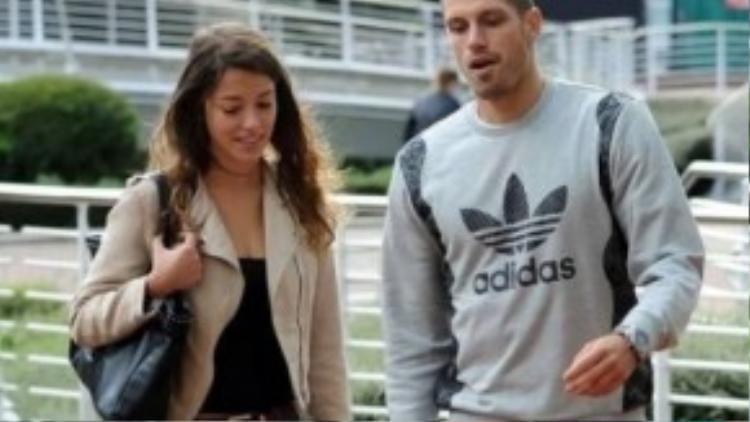 Hiện tại, cặp đôi này đang sống rất hạnh phúc ở khách sạn Lowry, gần Salford