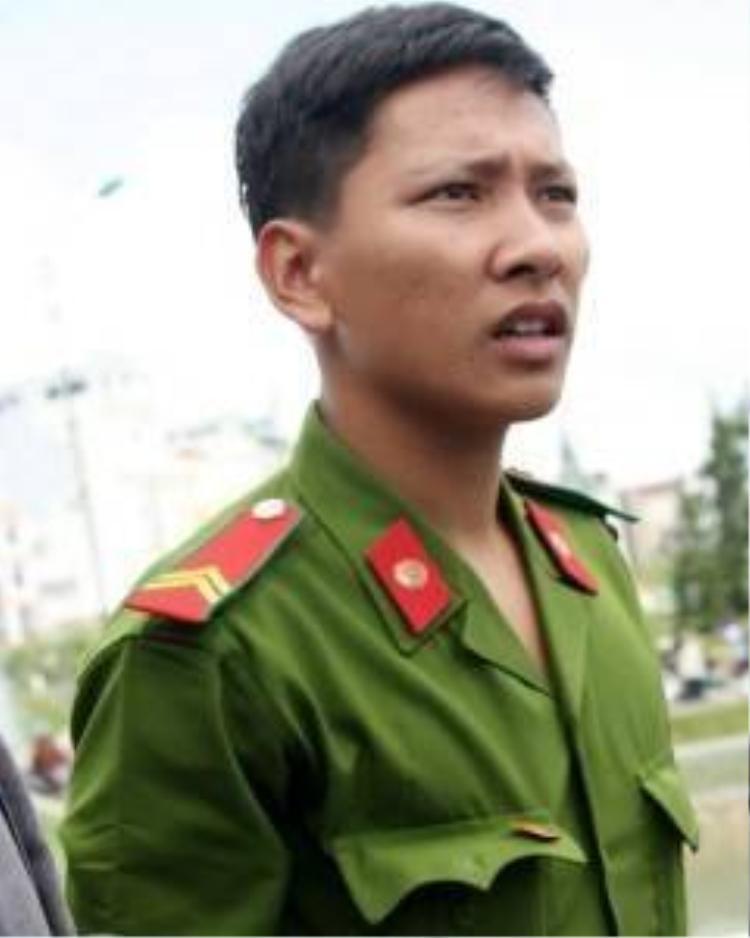 Ngưỡng mộ cảnh sát trẻ ở Lâm Đồng lao xuống hồ cứu người