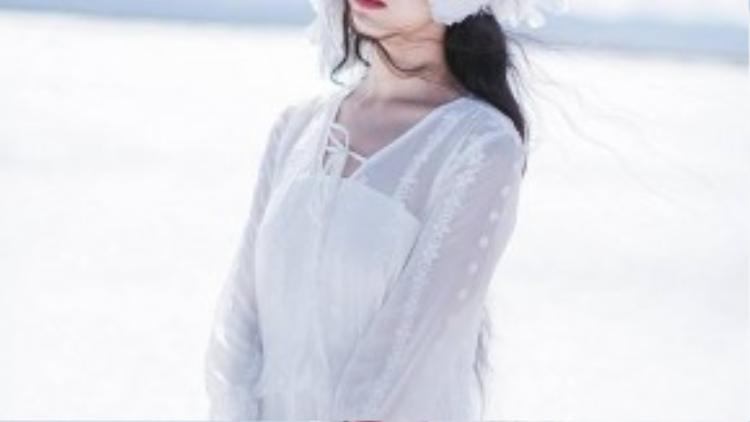 """Gương mặt xinh đẹp thuần khiết, Zhang Xin Yuan còn có biệt danh là """"nàng Bạch Tuyết"""" của Trung Quốc."""