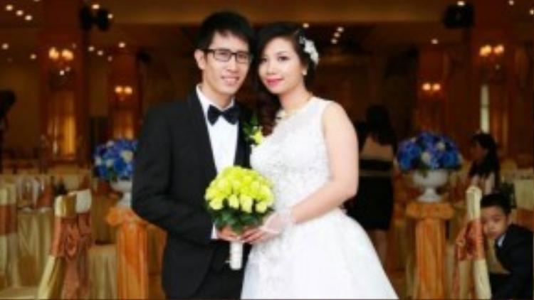 Phượng Vũ kết hôn cùng ông xã khá điển trai vào cuối năm 2014.