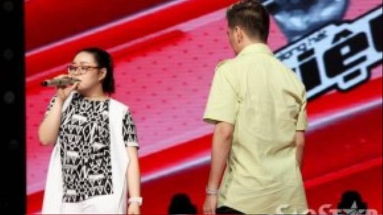Tuần trước Bảo Trâm nhận được kết quả cao nhất nhờ vào khán giả, Mr Đàm luôn căn dặn cô học trò không nên chủ quan vì chuyện bất ngờ gì cũng có thể xảy ra.