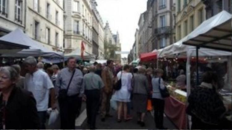 Những nơi công cộng, đông người qua lại tại các nước châu Âu luôn là địa điểm lý tưởng cho những tên đạo chích đường phố ra tay. Đặc biệt, chúng thường nhắm đến những du kháchchâu Á