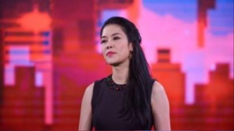 Thu Phương - HLV quyền lực của Giọng hát Việt là cũng tạm rời xa đội của mình để sang hỗ trợ cho cặp vợ chồng 'Giang Hồ'.