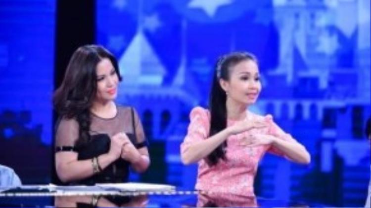 Cẩm Ly mời em gái Minh Tuyết làm cố vấn của mình trong vòng Đối đầu.
