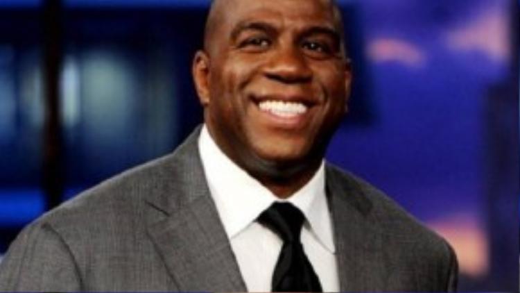 Cựu VĐV bóng rổ Magic Johnson, 56 tuổi, xếp thứ 8 với thu nhập 20 triệu USD.