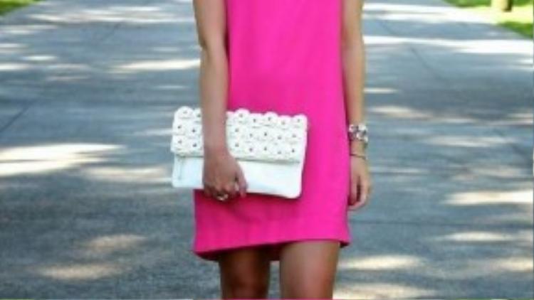 Đầm suông nổi bật với những màu sắc rực rỡ.