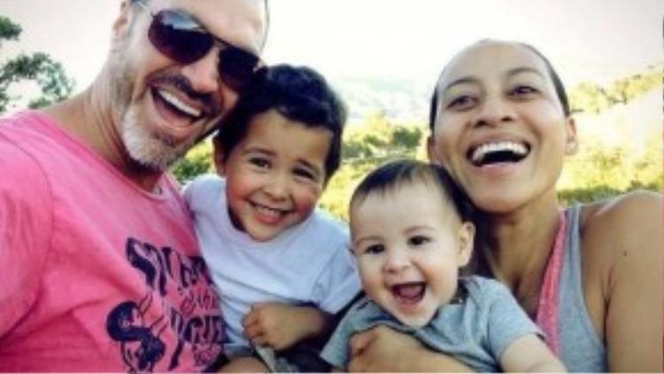 Gia đình của Miki Willis. (Ảnh: FBNV)