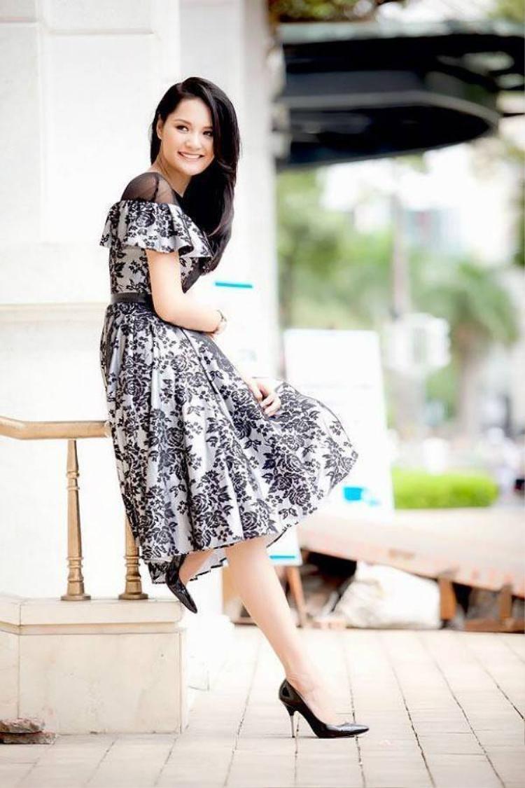 Hương Giang  giám khảo thứ 6 của Hoa hậu Hoàn vũ 2015
