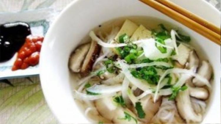 Các món ăn dù được chế biến hoàn toàn bằng nguyên liệu chay nhưng hương vị vẫn đậm đà, đặc sắc như các món mặn.