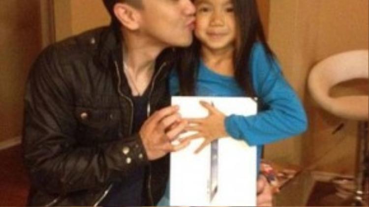 Điền Thái Toàn và con gái.