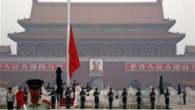 Lễ thượng cờ tại Quảng trường Thiên An Môn, thủ đô Bắc Kinh (Trung Quốc) - Ảnh: Reuters