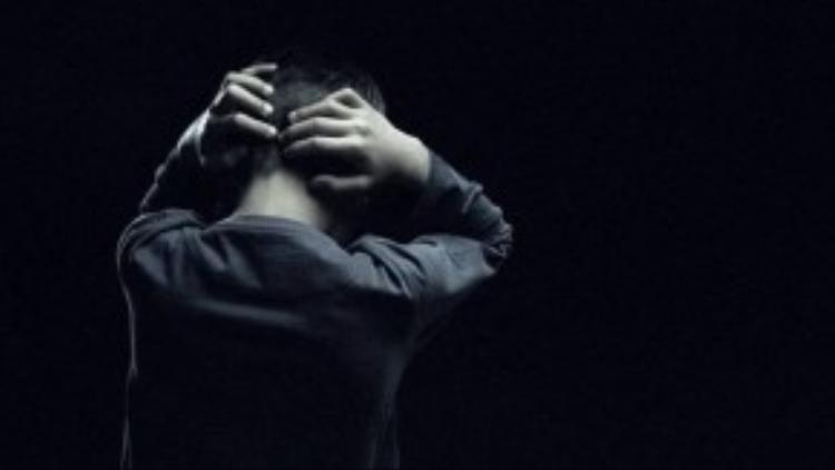 Môi trường học tập căng thẳng và nạn bạo lực học đường khiến nhiều học sinh không muốn đến trường. Một số em chọn cách giải thoát bằng việc tự tử. Ảnh: BBC