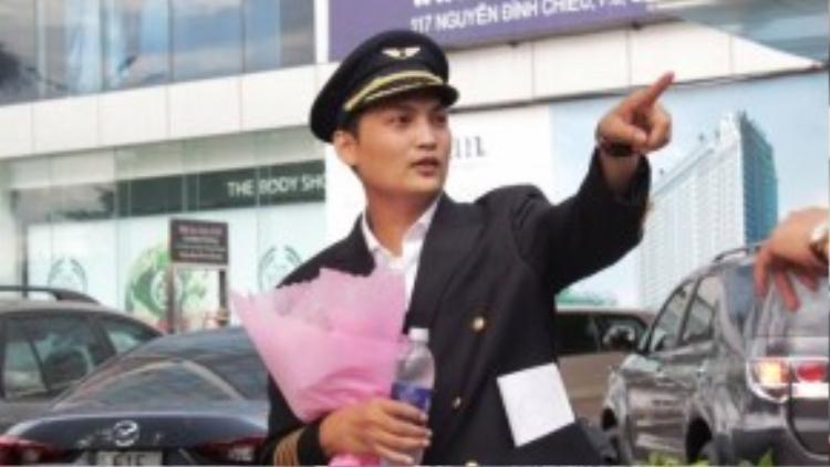 """""""Nam chính"""" Lê Bá Hải Siêu trước giờ cầu hôn bạn gái. (Ảnh: Lê Anh)"""