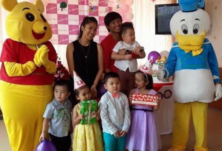 Lê Phương đón sinh nhật con trai với tình cũ