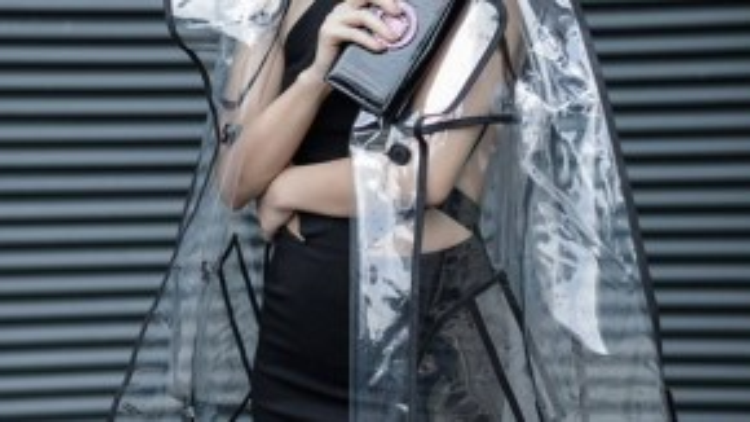MC Huyền Ny luôn ghi điểm với gu thời trang đẳng cấp của mình.
