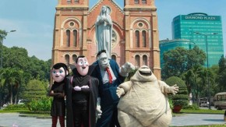 Nhà thờ Đức Bàlà địa điểm họ ghé thăm đầu tiên khi đến Sài thành