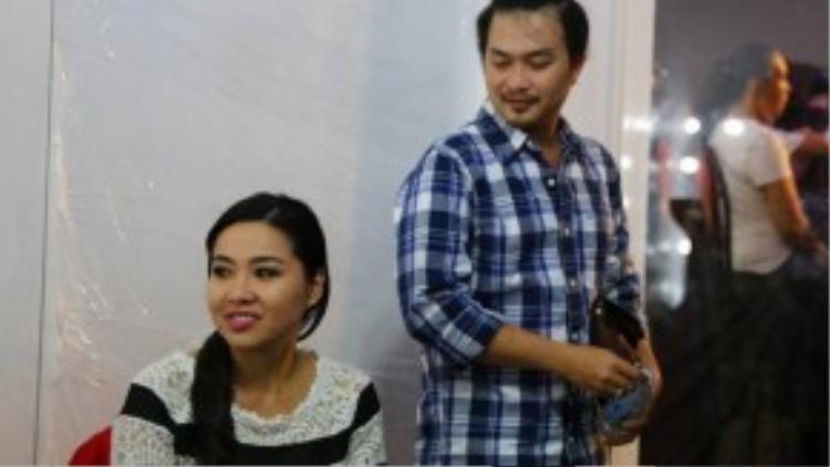 Cùng nhau tỏa sánglà gameshow thuần Việt với nhiều thử thách thú vị dành cho những nghệ sỹ trẻ đa năng. Lê Khánh là một trong những người chơi của mùa này.