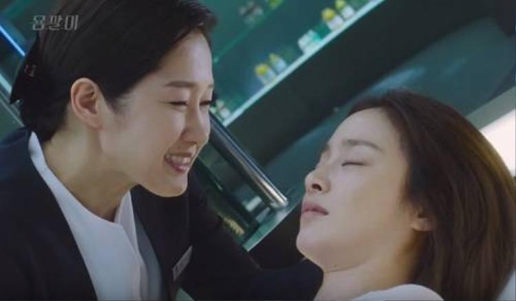 Nhan sắc của Kim Tae Hee khiến bạn diễn không nỡ bạt tai