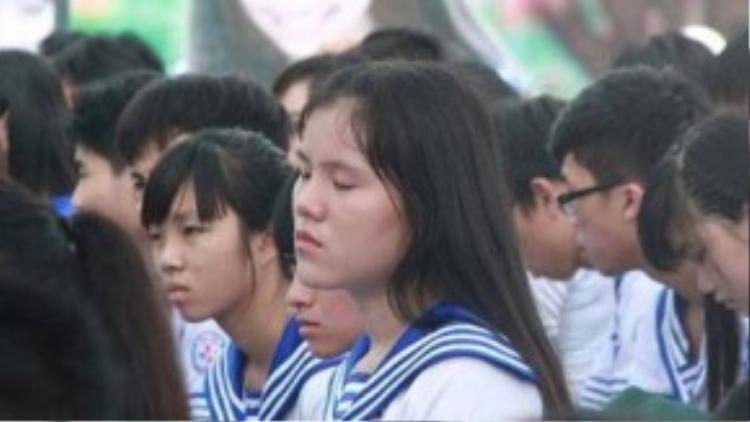 Nhiều học sinh khi nghe câu chuyện không cầm được nước mắt.