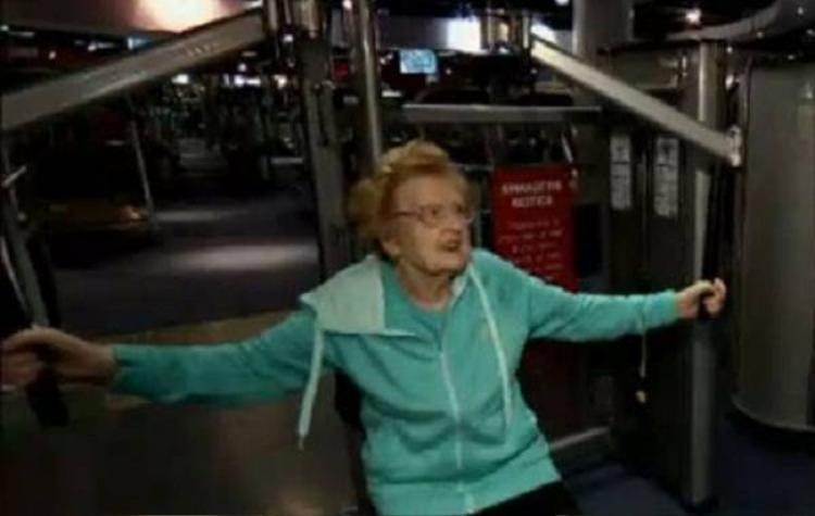 Cụ bà 92 tuổi nghiện tập gym