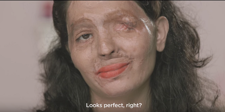 Ấn tượng với clip hướng dẫn make up của cô gái bị tạt axit