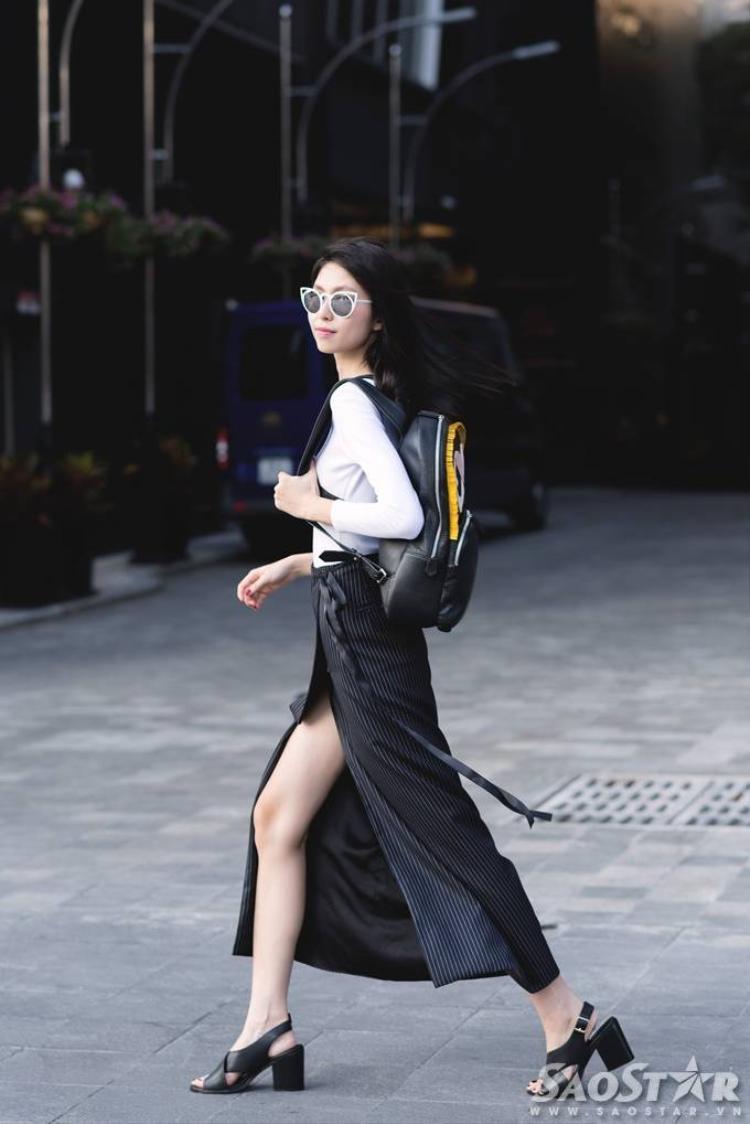 Cao Thiên Trang cùng Thùy Dương sành điệu xuống phố