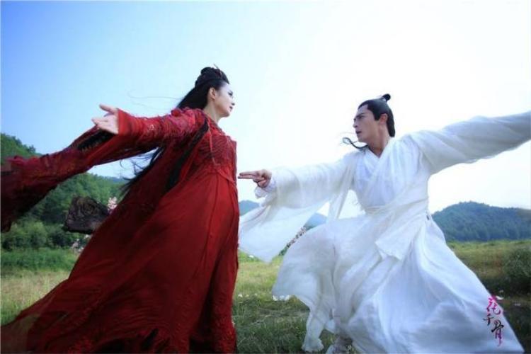 Khán giả bất mãn với cái kết ẩm ương của Hoa Thiên Cốt