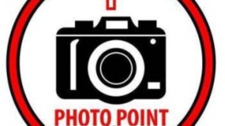Chỉ cần đứng đúng vị trí và hướng của photo point bạn sẽ có những bức hình sinh động như thật.