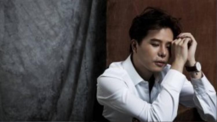 """Single """"Từ khi gặp em không"""" chỉ đánh dấu sự trở lại của Trịnh Thăng Bình mà còn như một lời khẳng định cho vai trò nhà sản xuất của nam ca sĩ khi anh tự sáng tác và chủ trì thực hiện sản phẩm cho chính mình."""