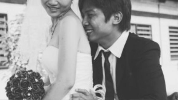 Khi được trung tâm và nhóm nhiếp ảnhgiúp đỡ thực hiện bộ ảnh cưới này, cả hai đều cảm thấy rất hạnh phúc.