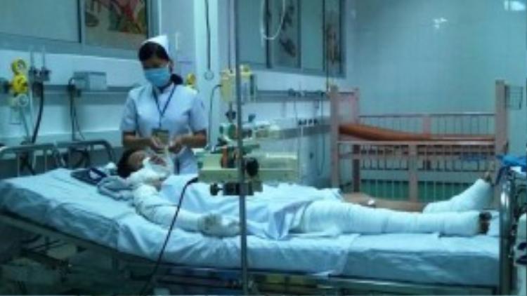Bé Kim Linh tại Khoa Bỏng - Chỉnh hình, Bệnh viện Nhi đồng 1
