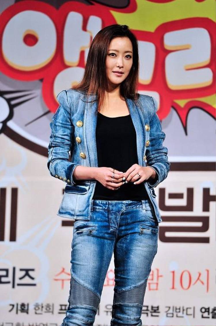 Kim Hee Sun lên ngôi nữ hoàng trên màn ảnh Hoa ngữ