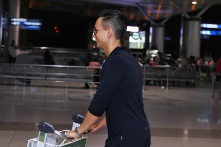 Kim Lý lên đường tham dự Liên hoan phim Toronto