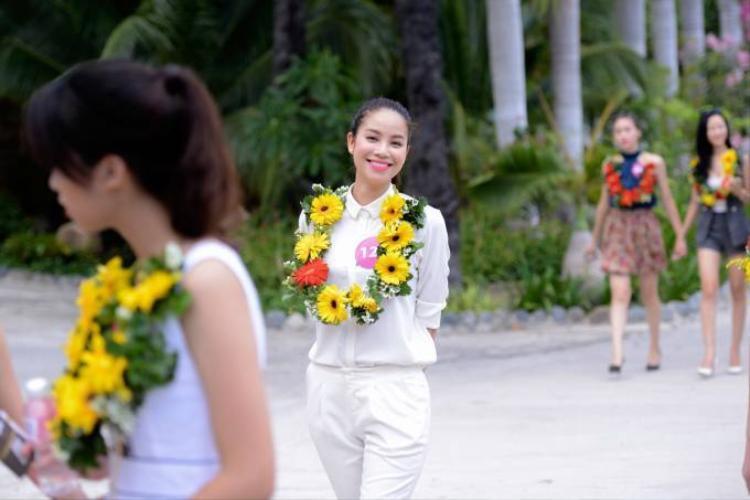 Dàn mỹ nhân Hoa hậu Hoàn vũ Việt Nam náo loạn Nha Trang