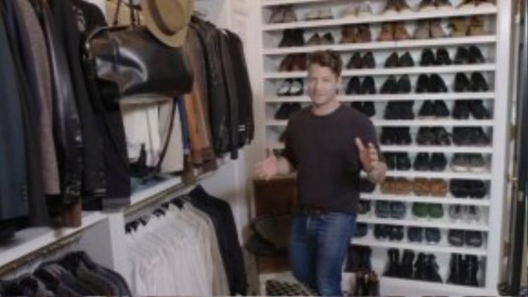 """Bộ sưu tập giày """"khủng""""."""