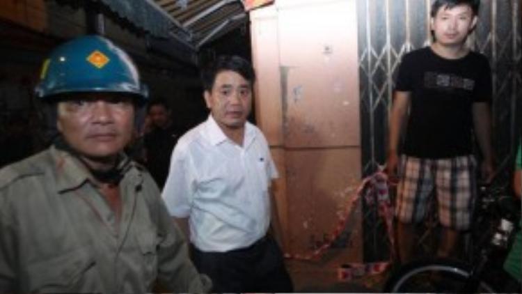 Thiếu tướng Nguyễn Đức Chung, Giám đốc công an Hà Nội có mặt tại hiện trường - Ảnh: Nguyễn Khánh