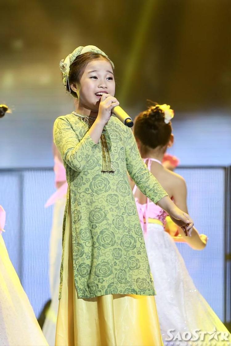 Nhã Thy, Hà Vy, Hồng Minh bùng nổ trên sân khấu Giọng hát Việt nhí