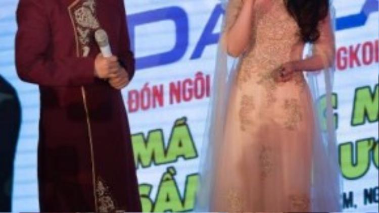 Chia sẻ cùng MC Đại Nghĩa, nữ ca sĩ tiết lộ mình là fan ruột của TVB ngay từ khi còn bé.
