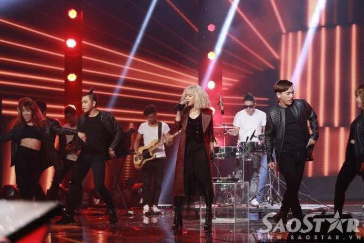 Mỹ Tâm  Đức Phúc kết show bằng loạt hit ABBA cực chất