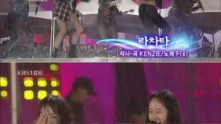 """Ca khúc La Cha Ta mà nhóm f(x) biểu diễn tại sân khấu đài KBS năm 2009 được người hâm mộ biến tấu thành """"Rain Cha Ta"""". Lý do là bởi ngay khi bài hát bắt đầu, mưa lớn rơi xối xả khiến 5 cô gái thậm chí không thể mở mắt. Trong tình trạng ướt nhẹp vì mưa, f(x) vẫn kiên trì mỉm cười hoàn thành màn trình diễn."""