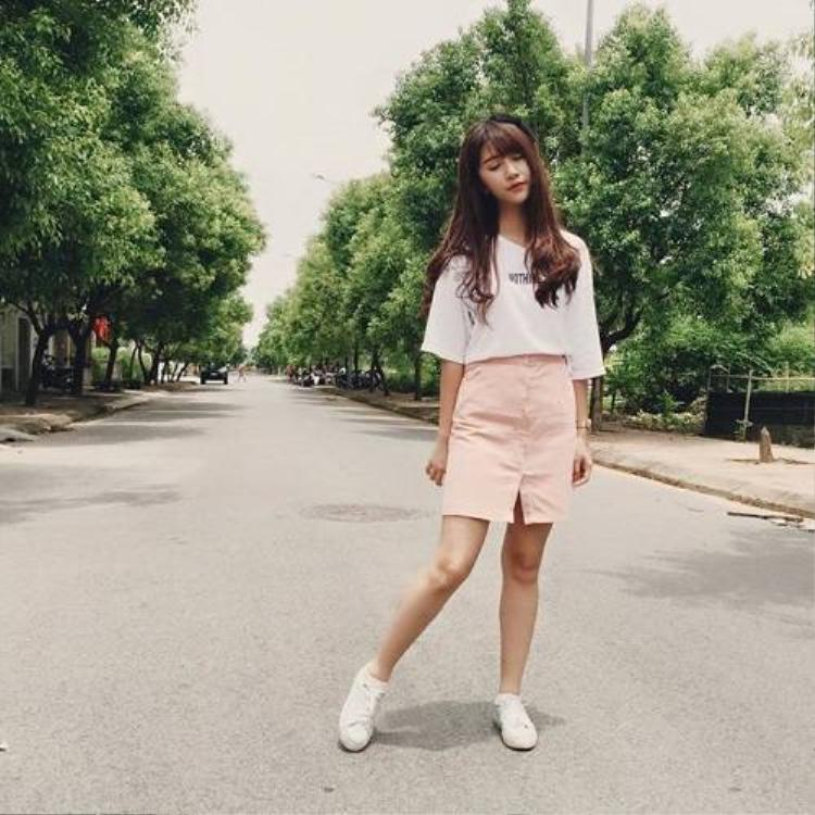 Slit skirt  chiếc váy kéo dài chân ưa thích của sao và hot teen