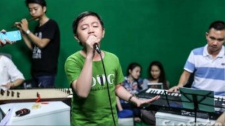 Cậu bé được cứu Nguyễn Trương Thế Thanh đội Cẩm Ly sẽ xuất hiện trong đêm liveshow thứ hai.