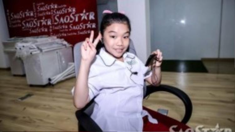 Cô bé Phạm Phương Khanh. Sở hữu giọng ca đầy nội lực, Phương Khanh hứa hẹn sẽ đốt cháy sân khấu Giọng hát Việt.