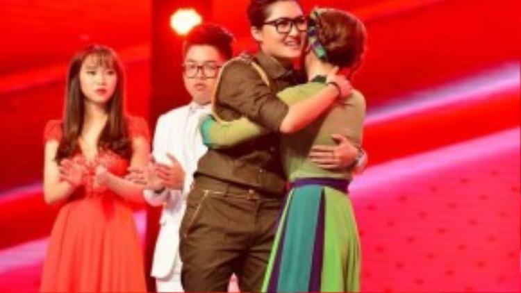 Hành động bất ngờ của Vicky Nhung trong đêm chung kết được cô cho xuất phát từ sự yêu thương san sẻ.