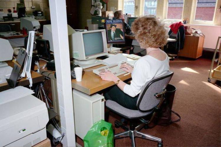 Những bức ảnh kể về dân văn phòng thời thập niên 80