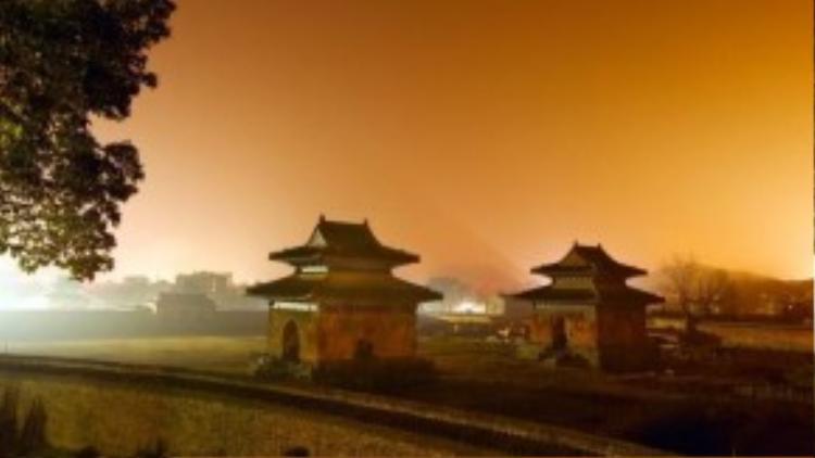 Cung điện nổi tiếng nhất và cũng là lớn nhất trên núi Võ Đang là cung Tử Tiêu, được xây dựng vào năm 1413. Quần thể kiến trúc này hiện có 29 tòa nhà được bố trí trên một sân thượng tầng năm rộng 6.854 m2.