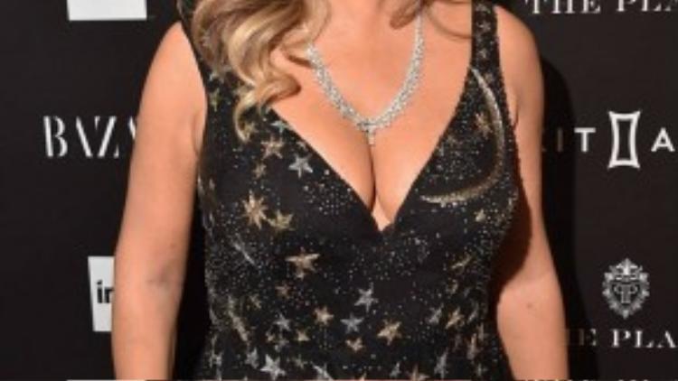 Các sao nữ khác dự event là diva Mariah Carey.