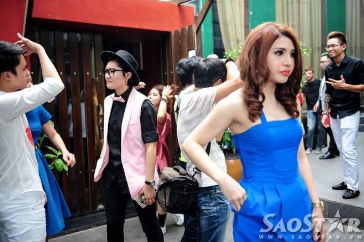 Tố Ny bất ngờ lạnh lùng với Vicky Nhung